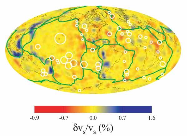 Латеральные вариации скорости S-волн в слое, залегающем между 525 км и 650 км.