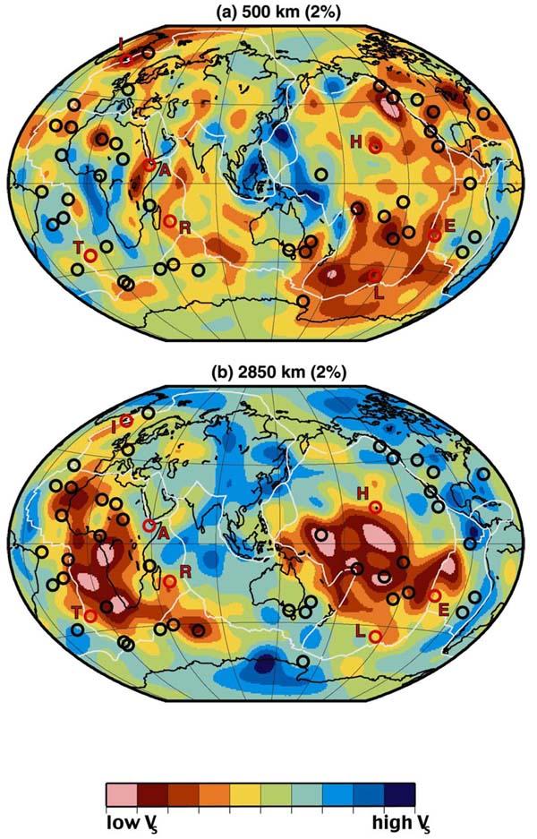 Томографические модели скоростей поперечных волн (VS) для глубин 500 км и 2850 км.